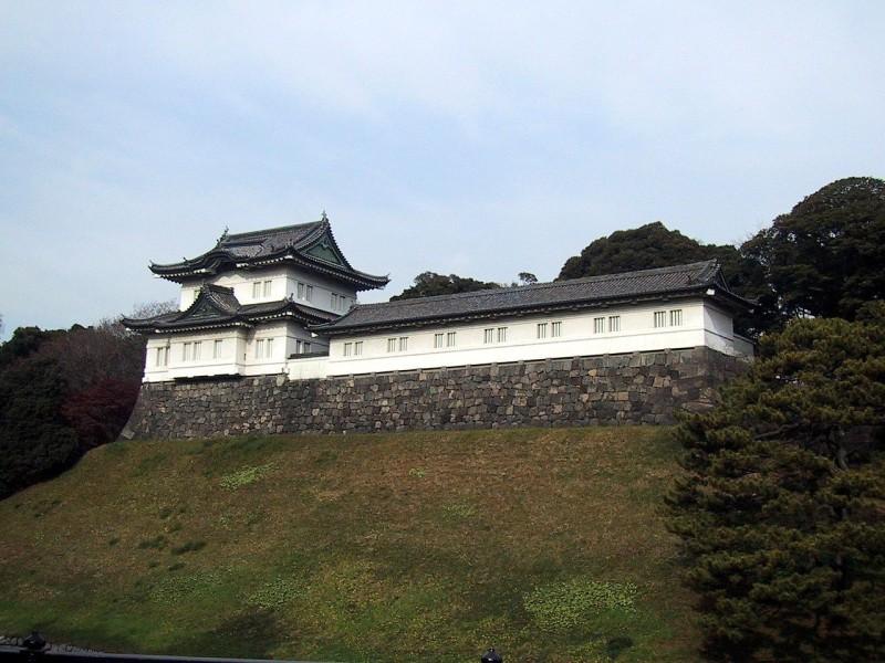 1280px-Imperial_Palace_Tokyo_Fushimi_Yagura_Keep_1