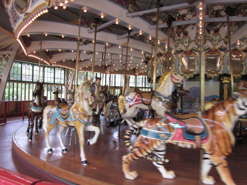 Dentzel_Carousel_at_SF_Zoo_interior_7