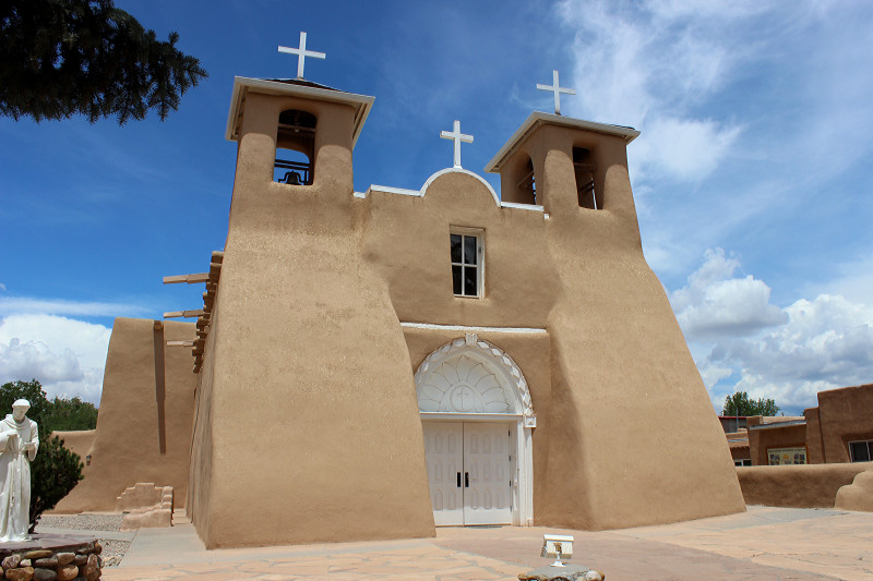 San_Francisco_de_Asis_Mission_Church_2