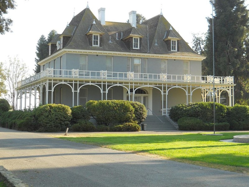 Kearney_Park_Mansion