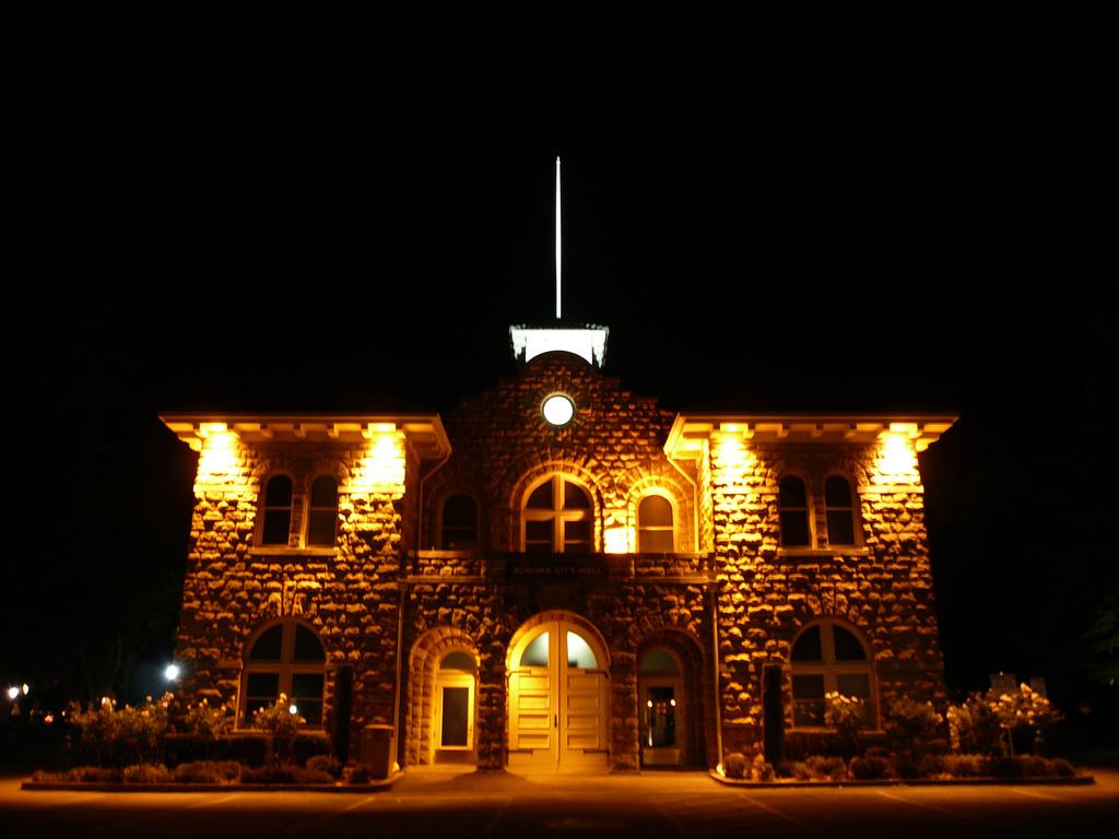 Sonoma Nightlife