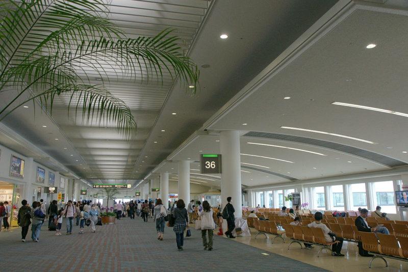 1200px-Naha_Airport01n4272
